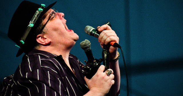 new_orleans_jazz_fest_2010_john_popper_blues_traveler.jpg