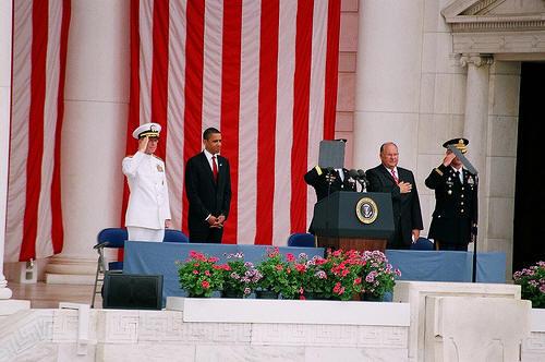 ObamaCrotchSalute2.jpg