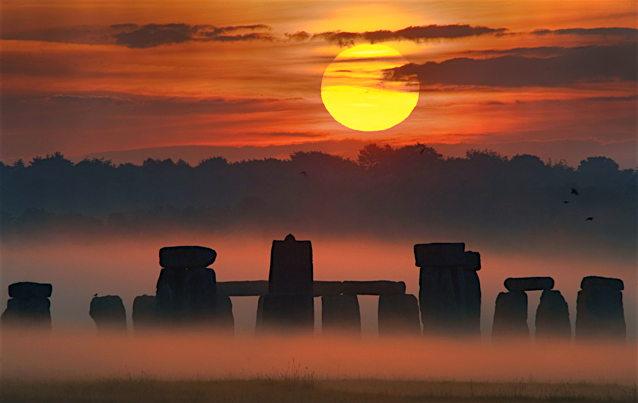StonehengeSun_alexander_4200.jpg