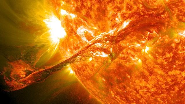 a_640__solarflare_inthesun.jpg
