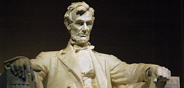 a_hands_-lincoln_memorial.jpg