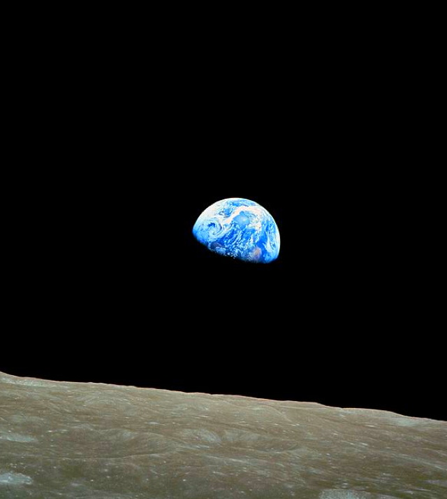 aaaa640768px-nasa-apollo8-dec24-earthrise.jpg