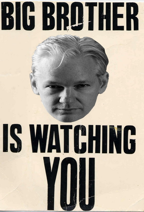 abigjulian-assange-watching.jpg