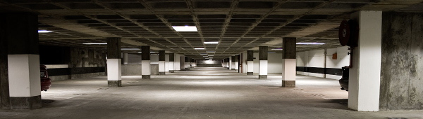 deserted_parking_garage_IMG_7375-712834.jpg