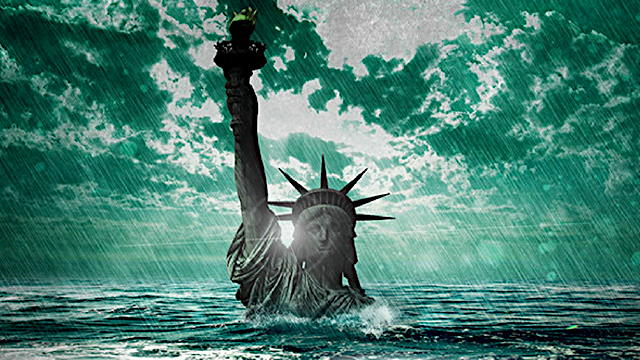 lady-liberty-underwater-1.jpg