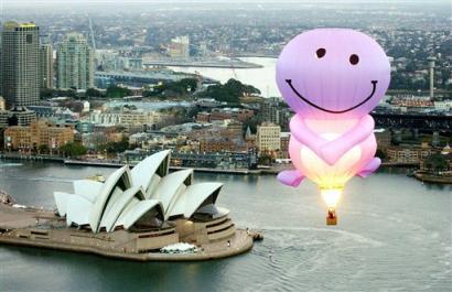 capt.syd10107082331.australia_balloon_syd101.jpg