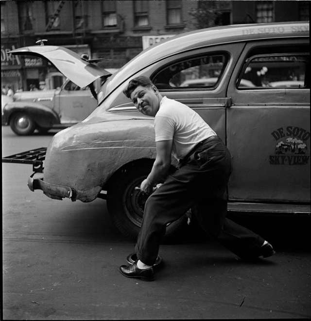 photographs-by-stanley-kubrick-look-magazine-life-in-new-york-40s-15.jpg