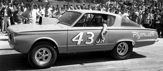 richard-petty-plymouth-barracuda-drag.jpg