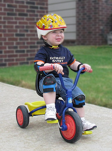 008-will-riding-tricycle.jpg