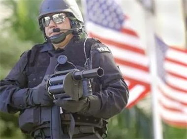 270905police_state.jpg