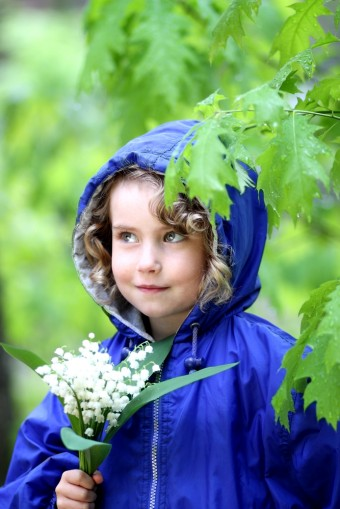A_little-girl-in-rain-jacket-340x509.jpg