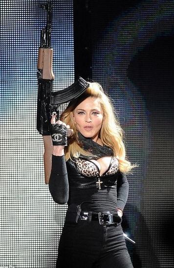 Madonna_AK47.jpg