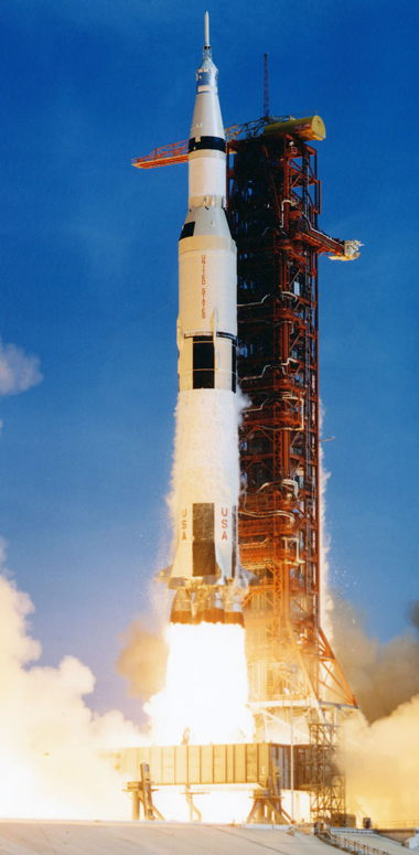 a_apollo11liftoff.jpg