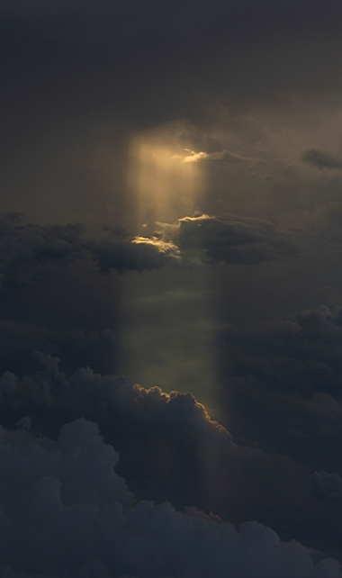 a_heavensbeam.jpg