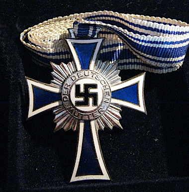 aaehrenkreuz_der_deutschen_mutter_silver.jpg