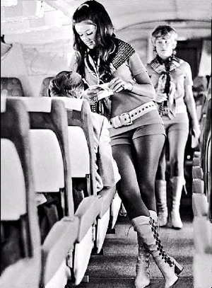 girl-hotpants-21-airlines.jpg