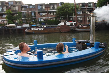 hotubboat.jpg