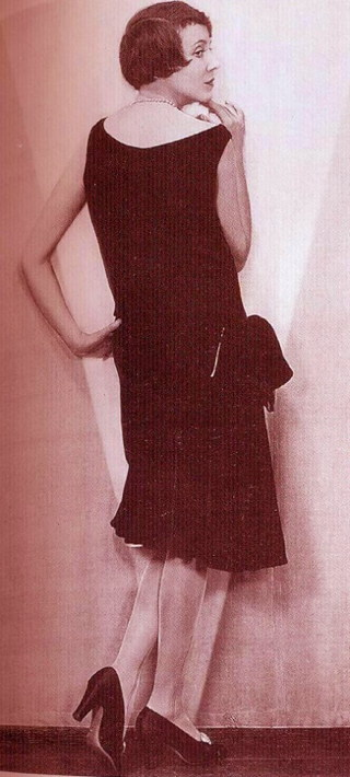 little-black-dress-1920s-Chanel-956x1050.jpg