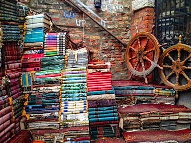 venezia-libreria-acqua-alta1-650x488.jpg
