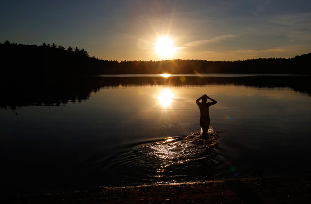 walden_pond_on_a_fall_afternoon_in_concord__massachusetts.jpg