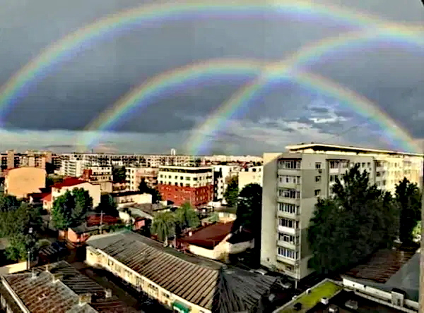 Who says there's no good news? [Updated with TRIPLE RAINBOW!! **]